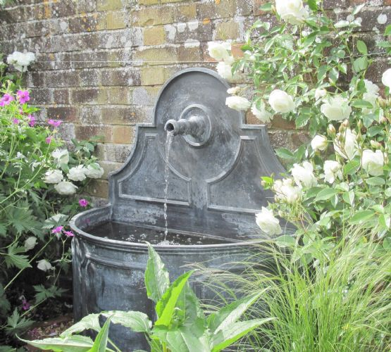 Single Spout Fountain Lead Fountains Garden Water Features Nidderdale Lead Uk
